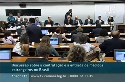 Médicos estrangeiros no Brasil. Deputado Mandeta