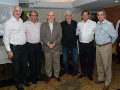 Médicos comemoram um ano de INESS