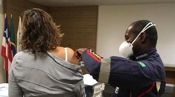 Começou hoje (11.03) e vai até amanhã a vacinação na sede da ABM, em Ondina