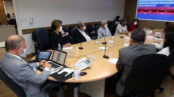 ABM, Cremeb e Sindimed se reúnem com Sesab para falar sobre condições de trabalho dos médicos do estado