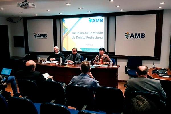 Diretor de Defesa Profissional da ABM participa de reunião da CBHPM